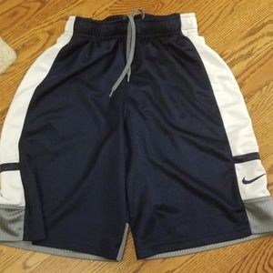 Nike boys athletic shorts size medium